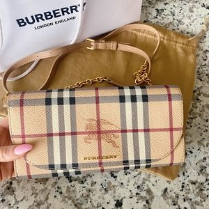 NWT Burberry Henley Check Wallet Chain Crossbody